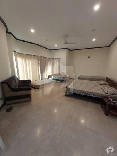 نشیمنِ اقبال فیز 2 نشیمنِ اقبال لاہور میں 3 کمروں کا 1 کنال بالائی پورشن 45 ہزار میں کرایہ پر دستیاب ہے۔