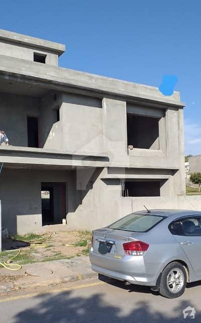 بحریہ ٹاؤن فیز 8 بحریہ ٹاؤن راولپنڈی راولپنڈی میں 5 کمروں کا 10 مرلہ مکان 1.45 کروڑ میں برائے فروخت۔