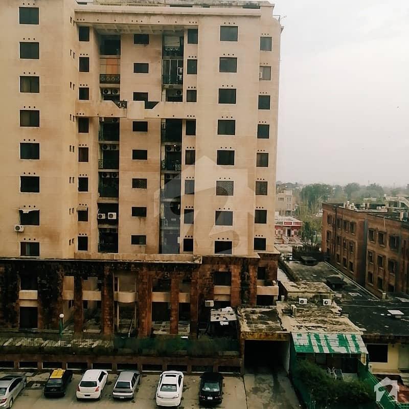 ایف ۔ 10 اسلام آباد میں 2 کمروں کا 7 مرلہ فلیٹ 1.1 کروڑ میں برائے فروخت۔