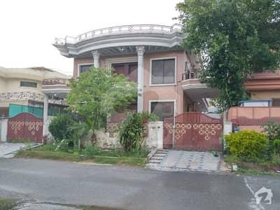 ایف ۔ 11 اسلام آباد میں 8 کمروں کا 1 کنال مکان 8.25 کروڑ میں برائے فروخت۔