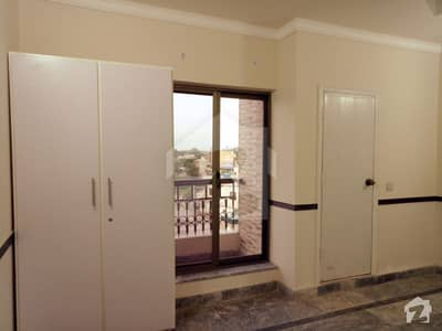 جیل روڈ لاہور میں 2 کمروں کا 2 مرلہ فلیٹ 25 ہزار میں کرایہ پر دستیاب ہے۔