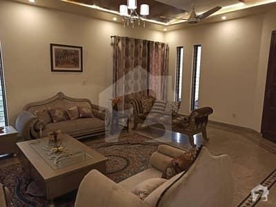 کینال گارڈن لاہور میں 7 کمروں کا 1 کنال مکان 3.1 کروڑ میں برائے فروخت۔