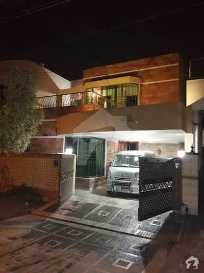 ڈی ایچ اے فیز 2 - بلاک وی فیز 2 ڈیفنس (ڈی ایچ اے) لاہور میں 3 کمروں کا 10 مرلہ مکان 95 ہزار میں کرایہ پر دستیاب ہے۔