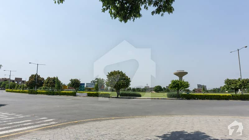 10 Marla Brand New Luxurious House Foe Sale At Wapda City Faisalabad