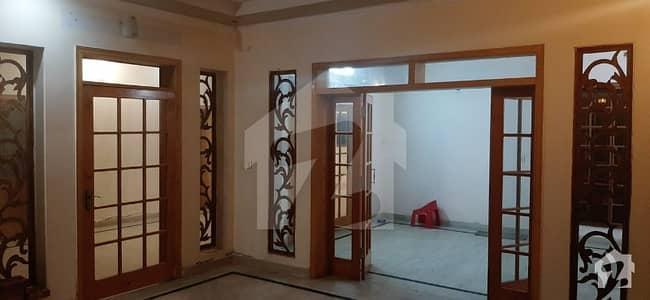 این ایف سی 2 لاہور میں 3 کمروں کا 1 کنال زیریں پورشن 55 ہزار میں کرایہ پر دستیاب ہے۔