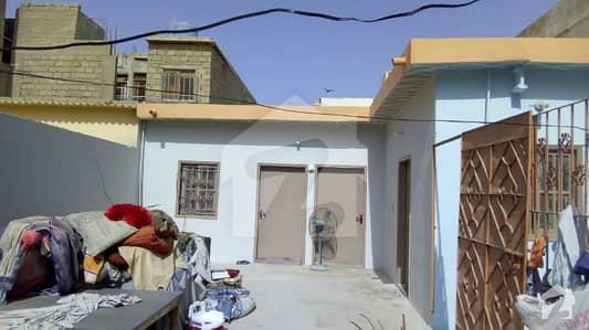 اندہ موڑ روڈ کراچی میں 4 کمروں کا 5 مرلہ مکان 25 ہزار میں کرایہ پر دستیاب ہے۔