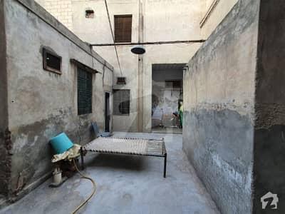گلبرگ فیصل آباد میں 5 کمروں کا 8 مرلہ مکان 1.95 کروڑ میں برائے فروخت۔