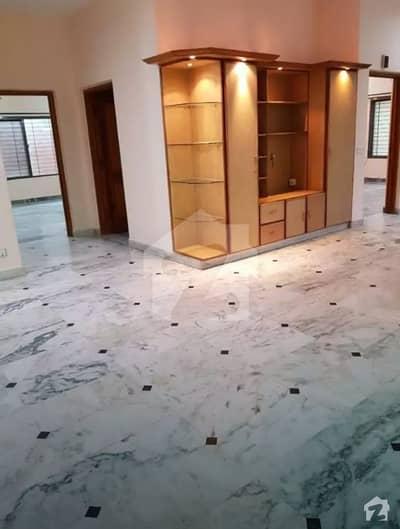 ڈی ایچ اے فیز 2 - بلاک وی فیز 2 ڈیفنس (ڈی ایچ اے) لاہور میں 3 کمروں کا 1 کنال بالائی پورشن 50 ہزار میں کرایہ پر دستیاب ہے۔