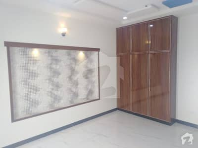 10 Marla Upper Portion For Rent In Canal Gardens Lahore