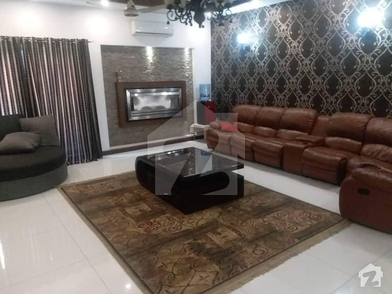 ڈی ایچ اے فیز 2 - بلاک کیو فیز 2 ڈیفنس (ڈی ایچ اے) لاہور میں 4 کمروں کا 1 کنال زیریں پورشن 1.3 لاکھ میں کرایہ پر دستیاب ہے۔