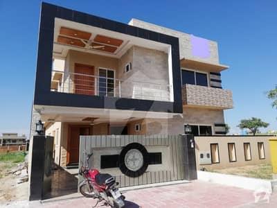بحریہ ٹاؤن فیز 8 ۔ بلاک ای بحریہ ٹاؤن فیز 8 بحریہ ٹاؤن راولپنڈی راولپنڈی میں 5 کمروں کا 10 مرلہ مکان 2.5 کروڑ میں برائے فروخت۔