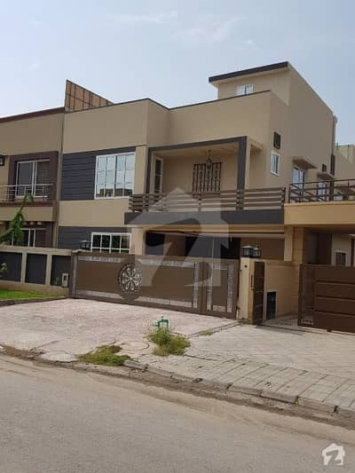 Lake View Block 10 Marla Beautiful House Available For Sale
