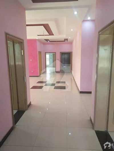 نیو ڈیفینس ڈیرہ غازی خان میں 4 کمروں کا 1 کنال بالائی پورشن 60 ہزار میں کرایہ پر دستیاب ہے۔