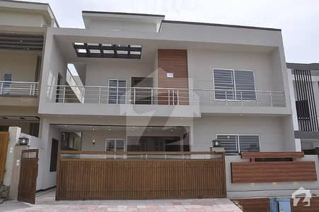 Beautiful House For Sale In Heart Of Media Town