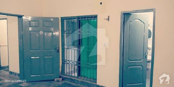 خدا بخش کالونی کینٹ لاہور میں 2 کمروں کا 4 مرلہ زیریں پورشن 20 ہزار میں کرایہ پر دستیاب ہے۔