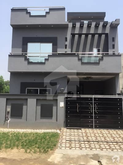 5 Marla 1 Year Old House For Sale In Topaz Block Near By Eme Society