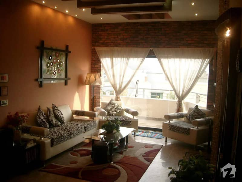 گلستان جوہر - بلاک 16-A گلستانِ جوہر کراچی میں 6 کمروں کا 10 مرلہ مکان 4.25 کروڑ میں برائے فروخت۔