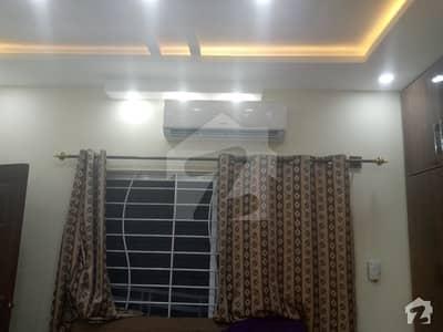 جی ۔ 6 اسلام آباد میں 6 کمروں کا 10 مرلہ مکان 80 ہزار میں کرایہ پر دستیاب ہے۔