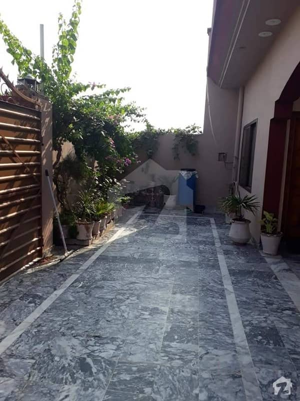 اشرف ٹاؤن چکوال میں 2 کمروں کا 10 مرلہ مکان 80 لاکھ میں برائے فروخت۔
