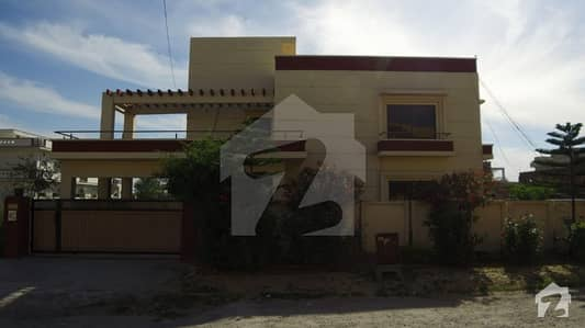 60x90 Double Unit House For Sale In F-15 Islamabad