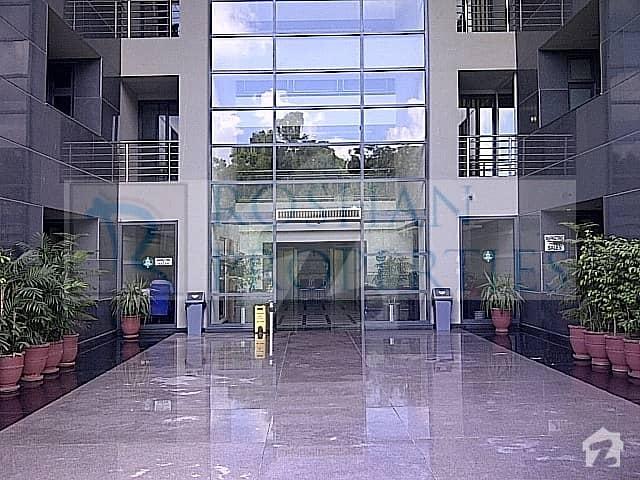 سلوراوکس اپارٹمنٹ ایف ۔ 10 اسلام آباد میں 3 کمروں کا 7 مرلہ فلیٹ 3.85 کروڑ میں برائے فروخت۔