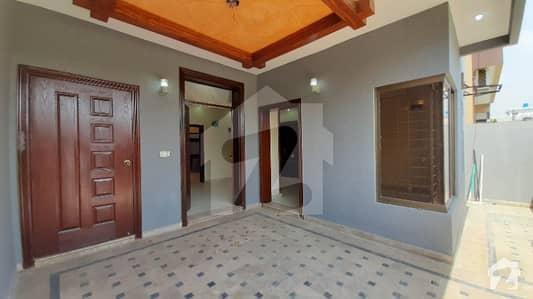 ویلینشیاء ہاؤسنگ سوسائٹی لاہور میں 4 کمروں کا 5 مرلہ مکان 1.5 کروڑ میں برائے فروخت۔
