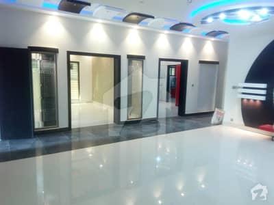 1 Kanal Brand New Luxury Villa For Immediate Rent