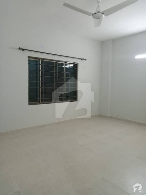 10 Marla Beautiful Flat Available For Rent Near Dha Phase 5 And Dha Phase 6 Askari 11 Lahore