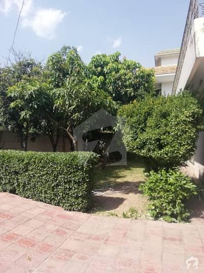 ایف ۔ 6/3 ایف ۔ 6 اسلام آباد میں 7 کمروں کا 3.28 کنال مکان 35 کروڑ میں برائے فروخت۔
