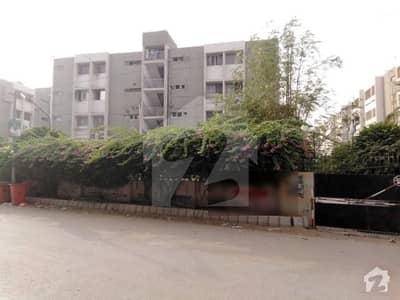 گلشنِ اقبال - بلاک 13 اے گلشنِ اقبال گلشنِ اقبال ٹاؤن کراچی میں 3 کمروں کا 8 مرلہ فلیٹ 1.95 کروڑ میں برائے فروخت۔