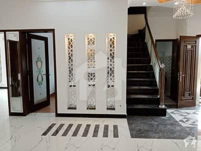 ڈی ایچ اے 11 رہبر فیز 1 ڈی ایچ اے 11 رہبر لاہور میں 4 کمروں کا 10 مرلہ مکان 2.5 کروڑ میں برائے فروخت۔