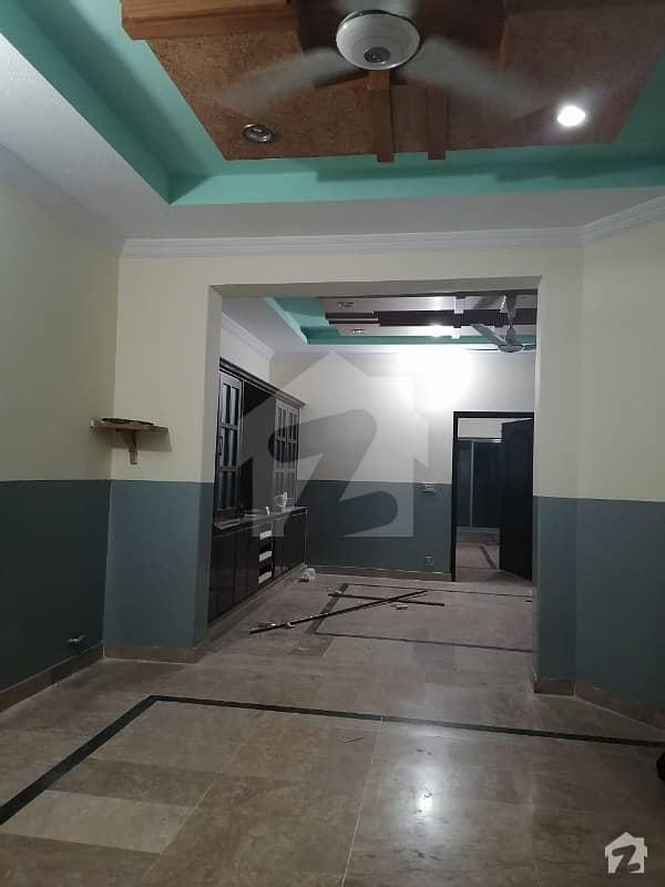 چکلالہ سکیم 3 چکلالہ سکیم راولپنڈی میں 4 کمروں کا 8 مرلہ مکان 1.35 کروڑ میں برائے فروخت۔