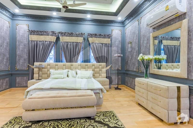 ڈی ایچ اے ڈیفینس لاہور میں 5 کمروں کا 1 کنال مکان 5.5 کروڑ میں برائے فروخت۔