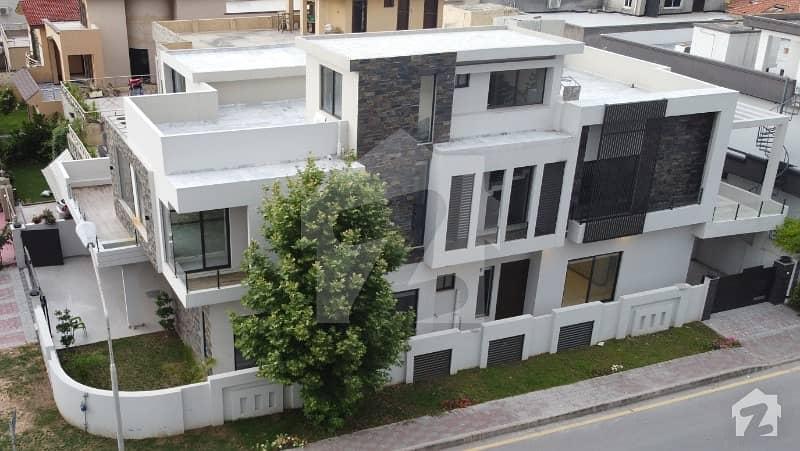 بحریہ ٹاؤن فیز 4 بحریہ ٹاؤن راولپنڈی راولپنڈی میں 4 کمروں کا 1 کنال مکان 5.5 کروڑ میں برائے فروخت۔