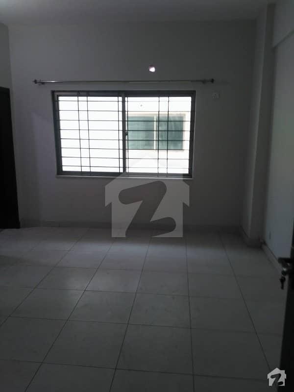 عسکری 10 - سیکٹر ایف عسکری 10 عسکری لاہور میں 5 کمروں کا 1 کنال مکان 3.75 کروڑ میں برائے فروخت۔