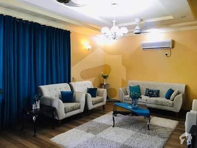 حیات آباد فیز 1 - ای1 حیات آباد فیز 1 حیات آباد پشاور میں 12 کمروں کا 1 کنال مکان 6.2 کروڑ میں برائے فروخت۔