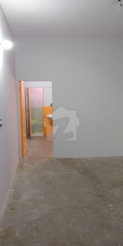 پنجاب کالونی کراچی میں 2 کمروں کا 4 مرلہ فلیٹ 19 ہزار میں کرایہ پر دستیاب ہے۔