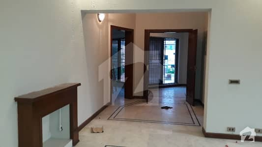 Dha 1 Kanal Beautiful Lower Portion With Separate Gate And Basement For Rent In Phase 4