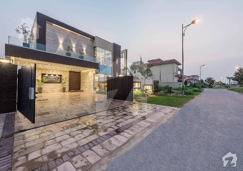 1 Kanal Luxuy House Available For Sale In Dha Phase 8