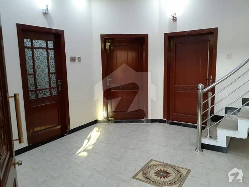 ارباب سبز علی خان ٹاؤن ایگزیکٹو لاجز ارباب سبز علی خان ٹاؤن ورسک روڈ پشاور میں 6 کمروں کا 5 مرلہ مکان 1.25 کروڑ میں برائے فروخت۔
