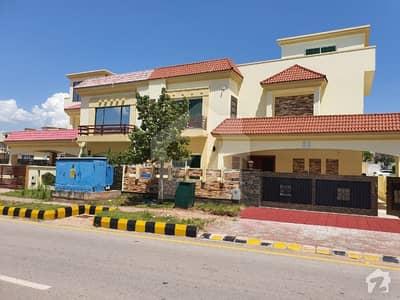بحریہ انکلیو - سیکٹر اے بحریہ انکلیو بحریہ ٹاؤن اسلام آباد میں 5 کمروں کا 14 مرلہ مکان 3.5 کروڑ میں برائے فروخت۔