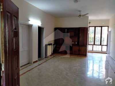 ڈی ایچ اے فیز 2 ڈیفنس (ڈی ایچ اے) لاہور میں 3 کمروں کا 1 کنال زیریں پورشن 70 ہزار میں کرایہ پر دستیاب ہے۔