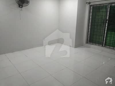 One Bed Lounge Apartment For Rent