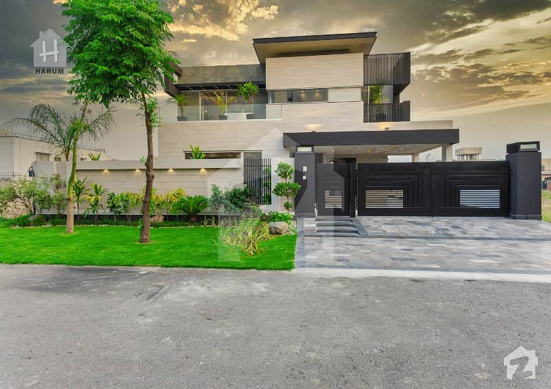 Most Beautiful And Luxurious Kanal Brand New Bungalow