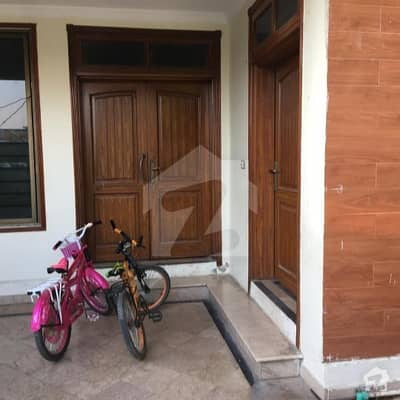 F-17 Multi 30x60 Good Location House For Sale