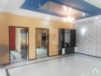 بحریہ ٹاؤن جاسمین بلاک بحریہ ٹاؤن سیکٹر سی بحریہ ٹاؤن لاہور میں 5 کمروں کا 10 مرلہ مکان 62 ہزار میں کرایہ پر دستیاب ہے۔
