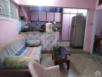 لیاقت آباد - بلاک 10 لیاقت آباد کراچی میں 2 کمروں کا 4 مرلہ فلیٹ 35 لاکھ میں برائے فروخت۔