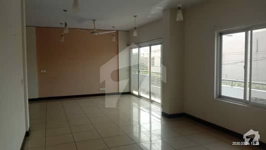 Flat For Rent Bungalow Facing Ideal Location Of Big Bukhari With Lift