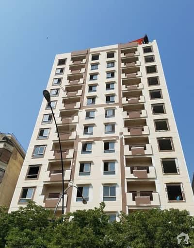 بہادر آباد گلشنِ اقبال ٹاؤن کراچی میں 3 کمروں کا 8 مرلہ فلیٹ 2.1 کروڑ میں برائے فروخت۔