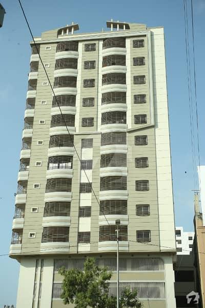 بہادر آباد گلشنِ اقبال ٹاؤن کراچی میں 3 کمروں کا 8 مرلہ فلیٹ 3.4 کروڑ میں برائے فروخت۔